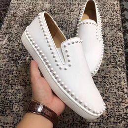 Eleganti scarpe di tela online-Fashion Luxury Canvas Leather Elegante Low Top Junior Red Bottom Sneakers Scarpe per le donne, gli uomini Casual Designer Scarpe da passeggio
