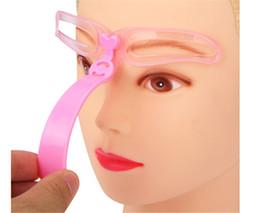 Yeni stil Bakım Kaş Boyalı Model Stencil Seti Şekillendirme DIY Güzellik Kaş Stencil Kaşları Şekillendirici Aracı nereden