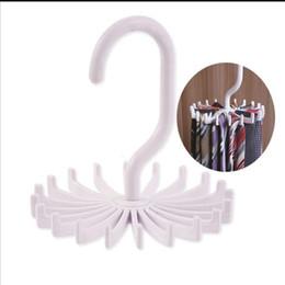 Legami ganci online-Eco-Friendly 360-rotazione Tie Hanging della cinghia della sciarpa di plastica bianco della cravatta cremagliera Marmitta gancio bagagli Dandys gancio 11 * 11cm