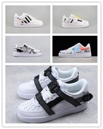 Caja dmx online-(caja) 2018 Nuevos Hombres Mujeres Low Cut One 1 Zapatos casuales Blanco Negro Dunk Zapatillas de skate deportivas Zapatillas clásicas AF Fly Trainers Zapatillas altas 36-45