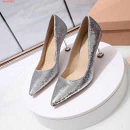 Les femmes habillent chaussures paillettes Talon fin Sexy et élégante Mode Belle or, argent, noir Code numéro 34-40 Avec une hauteur de 5.5CMWomen ? partir de fabricateur