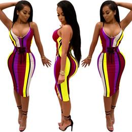2019 korsett bodycon kleid Das s-3 xl gestreifte Farbkleid für afrikanische Frauen ist perfekt für sexy trägerlose Kleider mit V-Ausschnitt, Korsetts, Bodycon und knielanges Kleid rabatt korsett bodycon kleid