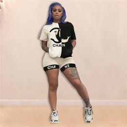 fósforo da cor dos ternos da forma Desconto Mulheres de luxo Designer de camiseta Shorts Conjuntos de Treino de Verão Cor Combinando T shirt + Shorts Moda Marca Outfit Patchwork Street Suit C7203