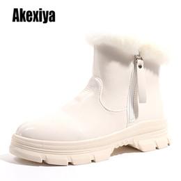 Weißen Schuhe Winter warme Turnschuhe für Damen Schneestiefel Velvet Pelz Winter 2020 Female Ankle Boots Plattform Schuh Pelz k952