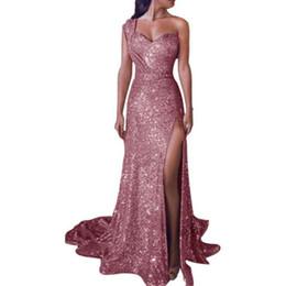 kim kardashian sexy grünes kleid Rabatt Reizvolles Ein-Schulter Longuette der euroamerikanischen Frauen sleeveless vergoldetes Kleid mit langem geöffnetem Rock Art- und Weisedame Formal Attire S-5XL