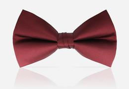 Alta calidad hombre moda pajaritas corbatas hombres pajaritas de boda negro borgoña azul marino champán pajarita envío gratis desde fabricantes