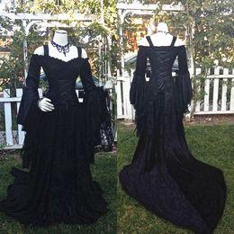 Robes longues de style gothique en Ligne-Style gothique Belle au bois dormant Robes de mariée noires à l'épaule Longues manches bouffantes en dentelle Corset Corsage de mariée Robes de mariée sur mesure, plus la taille