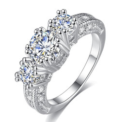 Deutschland Heiße Art 2018 weiß Schnee Zirkon dekorative Ring Damen Schmuck Mode hohle Legierung Ring elegantes Temperament Roségold Silber cheap snow white rings Versorgung