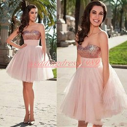 fascini per la laurea Sconti Charming Tulle Sweetheart Homecoming Dresses Paillettes pieghettato arabo lunghezza del ginocchio Cocktail Party Club indossare abito da ballo di laurea africana