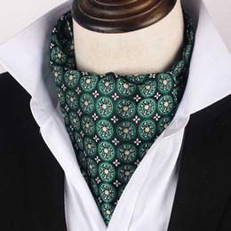 2019 lenços de seda bordados Verde Silk coreano Noivo Evening Wedding Party Men Tuxedo terno formal lenço escuro Lenço Lenço bordado Tie Cachecóis desconto lenços de seda bordados