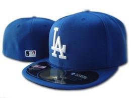Venta al por mayor de los hombres de calidad superior LA Royal Blue equipado sombrero plano borde bordado ventiladores béisbol béisbol sombreros tamaño LA en campo completo cerrado Chapeu b desde fabricantes