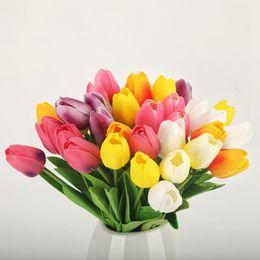 Fiori di seta PU Tulipani artificiali Real Touch Fiori mini Tulip Wedding Bouquet decorativo Decorazioni di nozze Home Decor 16 colori YW3673 da