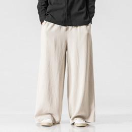 Calças de linho branco homens on-line-# 4522 Primavera 2019 Retro De Linho De Algodão De Largura Perna Calças Dos Homens Plus Size Solto Streetwear Hip Hop Calças de Linho Branco Cintura Elástica