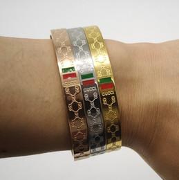 2019 grandes pulseiras para as mulheres atacado Novo 925L Marca designer de pulseira Para as mulheres 3 cores Senhoras de aço de Titânio moda pulseira com 3 cores de Jóias De Luxo para o presente