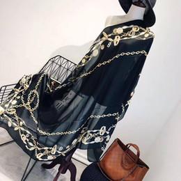 Argentina 2019 verano La alta calidad Nuevo estilo elegante de las señoras imprimió cadena de seda de la moneda bufandas recorrido de la playa de protección solar Toalla de playa Suministro