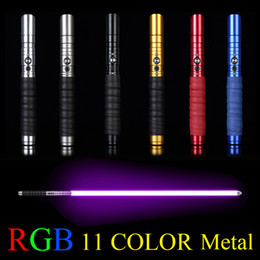 2019 schermi per porte mercedes Cosplay Metal Lightsaber Multi colore Light Sword con Sound LED Light Toys regalo Outdoor creativo Laser lampeggiante per bambini Light Saber Wars Toy