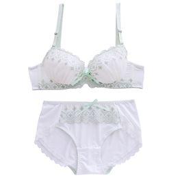 Clover Bordado Lace Branco Japonês Sutiã Calcinha Set Underwire Push Up Macio Underwear Íntimos Definir Kawaii Lolita de