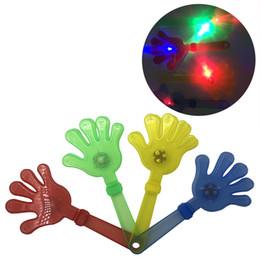 Ручная игрушка онлайн-LED Хлопок Руки Реквизит Пластиковое Освещение Игрушка Шумогенератор Концерт-Бар Поставки Palm Slap Night Party Мигающие Аплодисменты Игрушки