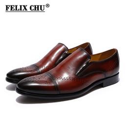 4057ece780 Estilo retro de Couro Genuíno Sapatos de Vestido Dos Homens Casuais Dedo  Apontado Mocassins Sapatos de Trabalho de Escritório de Negócios Calçados  para o ...