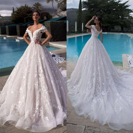 d spitze hochzeitskleid Rabatt Weg von der Schulter 3-D Lace V-Ausschnitt ergänzt Brautkleid mit Kristallen Ballkleid Korsett Brautkleider