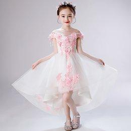 2019 robes de baptême européenne bébé fille Demoiselle d'honneur épaule fille de mariage princesse blanc robes de mariée mariage pompon