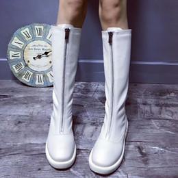 Белые коленные сапоги онлайн-Черный белый женщины колено высокие сапоги молния зимняя обувь квартиры мотоцикл сапоги круглый носок Все матч женщины zapatos де mujer