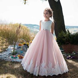 Blush rose fille fille fleur robe pour Beach Garden Castle pays mariages 2019 robe de bal longueur de plancher enfants fête de fête robes de dentelle appliques ? partir de fabricateur