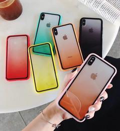 2019 apple 6plus Custodie per telefoni trasparenti in acrilico sfumato Cover posteriore arcobaleno Protezione antiurto trasparente per iPhone X XR XS Max 6 6s 6plus 7 7plus 8 8plus apple 6plus economici