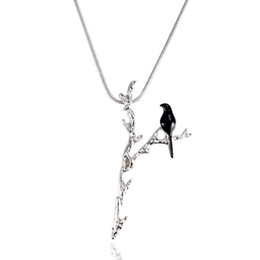 simple necklaces for indian women Coupons - Creative Black Bird on Y-shaped Branch Pendant Necklace Women Clavicle Chain Personality Simple Jewelry Gift For Women