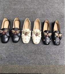diseñador de ballet Rebajas Caliente Sael-diseñador de las mujeres del cuero de zapatos zapatillas de ballet con el arco Perlas abeja holgazán muchachas de las mujeres del verano del resorte sandalias planas del holgazán de 34-40 con la caja 08