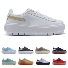 2019 le scarpe di fondo corrispondenti Luxury Fashion 4.0 IV Scarpe casual All-match per le donne Skateboarding Sneakers perforate Il fondo delle scarpe Designer di spessore Taglia 36-39 sconti le scarpe di fondo corrispondenti