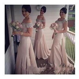 Vestidos de dama de honor de coral caliente sin tirantes online-Venta caliente Pink Strapless sirena vestido de dama de honor rebordear Crystal Vintage vestido de fiesta 2019 recién llegado vestidos de novia