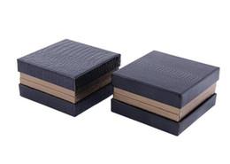 Cajas de regalo online-24 unids / lote Cuadrados Cuadrados Negro Tie Clip Set Boxes 78x78x43mm Gemelos Tie Pin / Bar Set caja Caja de regalo de la joyería de los hombres al por mayor