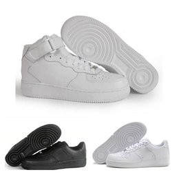check out 359ca 718ed Nike Air Force 1 AF1 2018 Le scarpe basse da donna degli uomini forzati più nuovi  di alta qualità Traspirante uno unisex 1 maglia Euro mens scarpe da donna  ...