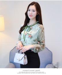 a6dcdcec4f Chinês Novas Mulheres Camisa Blusa Moda Manga Longa Doce Impressão Roupas  Femininas Applique Ruffled Pescoço Feminino