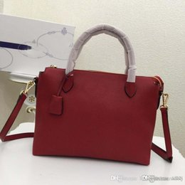 AAAAA new fashion luxury handbag 755234adc94fe