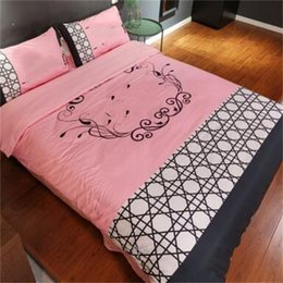 conjuntos brancos de cama dupla Desconto Marca Preto Branco Grid King Size Conjuntos de Cama de Luxo Conjuntos de Cama de Cama de Casal Hotel Casa Cama Comforters Ternos Venda Quente L1