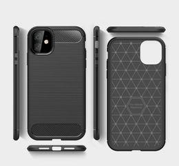 Slim in fibra di carbonio Armatura copertina Struttura spazzolata TPU per iPhone 11 Pro Max Xs XR 8 7 6S Inoltre Samsung S10 S20 Inoltre Nota 10Pro da