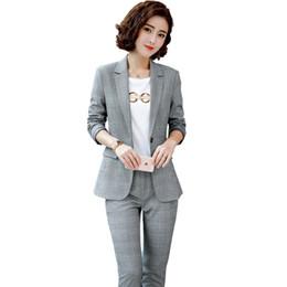 105cd02285bf 2019 Primavera 2 pezzo Grigio Pantalone Abiti da ufficio donna formale OL Uniform  Designs Donna elegante Business Work Wear per le donne disegni di lavoro ...