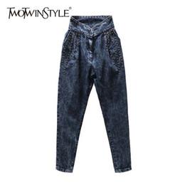 TWOTWINSTYLE Rivet Denim Pantalon Pour Femmes Crayon Jeans Surdimensionné Casual Mode 2018 Printemps Automne Nouveau ? partir de fabricateur