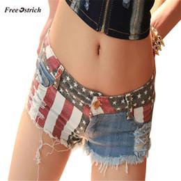 Canada Autruche gratuit Vêtements Femmes Jeans Sexy Drapeau Américain Américain Mini Shorts Jeans Pantalon Denim Taille Basse été mince Feminino cheap american flag denim shorts Offre