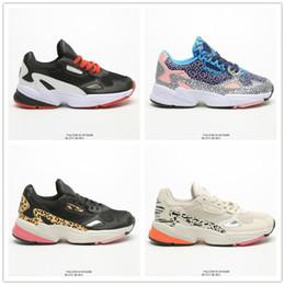 Falcon originaux W Chaussures de course pour femmes de haute qualité Falcon Chaussures Casual Designer Papa Chaussures Mode Sport jogging extérieur