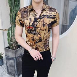 2019 corti tuxedo t-shirt 2019 estate nuovo modello camicia degli uomini auto-coltivazione di personalità T-shirt Camice casuali sociali Tuxedo Camisa Masculina sconti corti tuxedo t-shirt