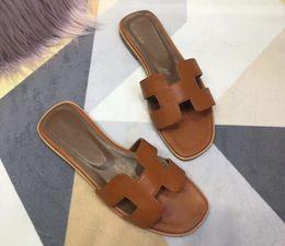 2019 sandali in pizzo perline con la scatola di marca calda Uomini Beach sandali Slide Medusa Scuffs 2019 Pantofole Mens Beach White Fashion slip-on sandali firmati US 7-10