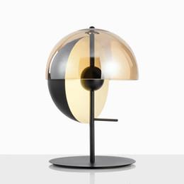 Lampes de chevet fer en Ligne-Nordic post-moderne designer fer forgé villa chambre chambre table de chevet étude créative lampe de table ronde AC 90-265V