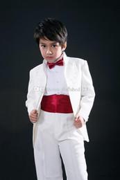 2019 5t vestito nero solido Nuovi arrivi Bianco Nero Ricamo Stand Collar Boy's Usura formale Occasioni per bambini Smoking Abiti da sposa (Giacca + Pantaloni + Cintola + Cravatta)