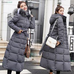 Schwarze gesteppte pelzjacke online-Gepolstert für Daunenjacken Frauen Winter Plus Größe Lange Konventionelles gesteppte schwarze Kapuze Pelz-Mantel-Jacken Parkas Warm Frauen Wp013