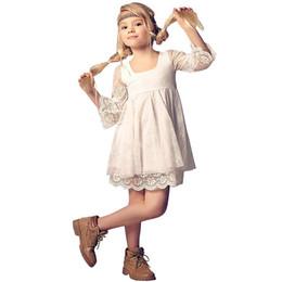 2019 landspitze blumenmädchenkleider Billig Volle Spitze Landhausstil Blume Mädchen Kleider Mit 3/4 Lange Ärmel 2018 Niedlich Elfenbein Kurze Kleine Mädchen Party Kleider günstig landspitze blumenmädchenkleider