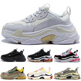 paris ao ar livre Desconto Balenciaga 2019 Nova Moda sapatos de grife de luxo Paris 17FW Triplo-S para homens mulheres branco preto treinador sports sneaker sapato casual ao ar livre