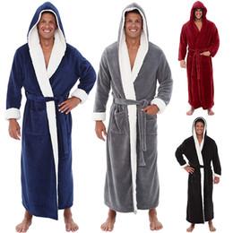 Roben 5xl online-Winter Warme Herren Einfarbig Plüsch Schal Bademantel Flanell Lange Kapuze Bademantel Nachtwäsche Männlichen Langarm Robe Kleid